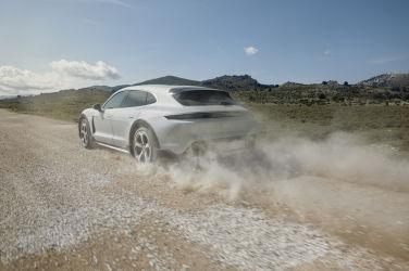 電動跨界新物種 Porsche Taycan Cross Turismo