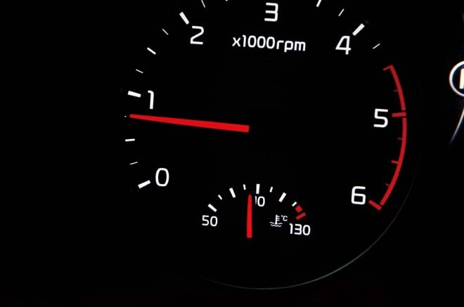 愛車Q&A:車子開動前到底要不要先熱車?