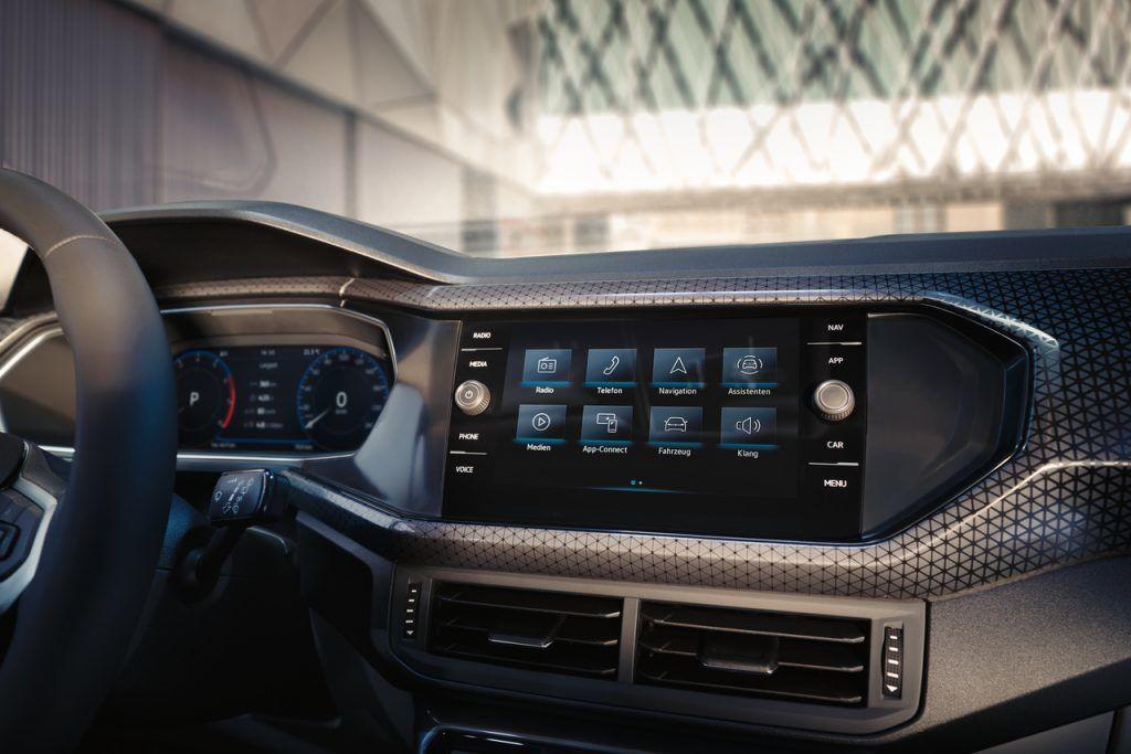 The T-Cross 正21年式升級數位化座艙支援無線Apple CarPlay