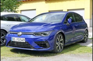 """接獲下一代新型VW Golf R量產車型,最新原型車""""R寶藍色""""的獨家!"""
