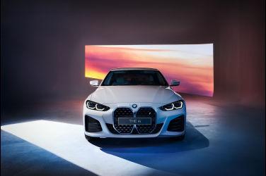 馳騁豪華電能世代 全新BMW iX與BMW i4台灣線上預購啟動