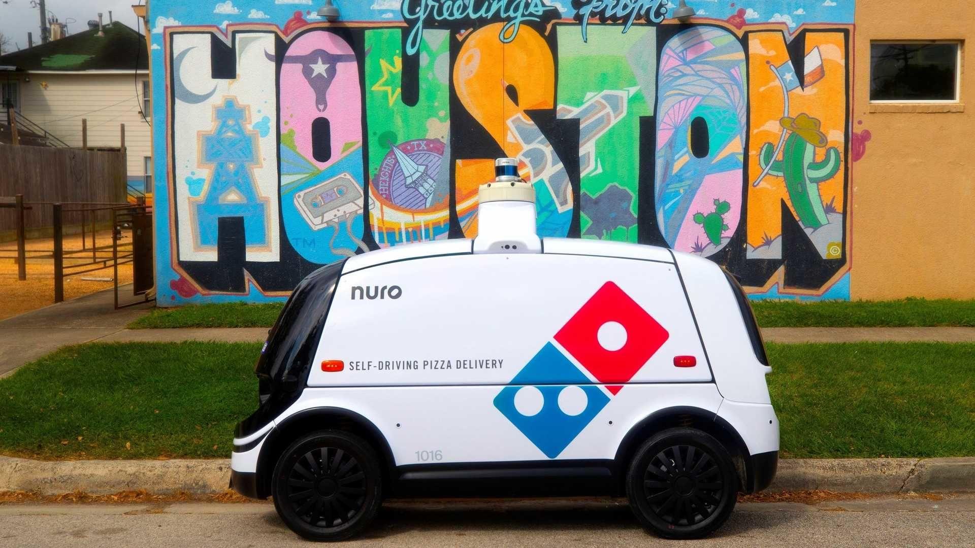 德州現在有可愛的無人駕駛車輛幫你運送達美樂的比薩喔!