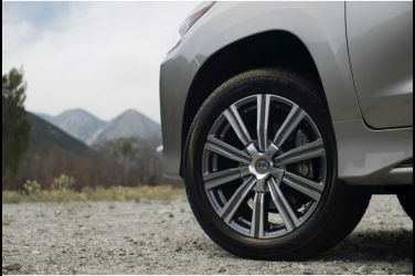 Lexus新一代LX600似乎有三種車型!發表Lexus NX時LX也被拍到了?