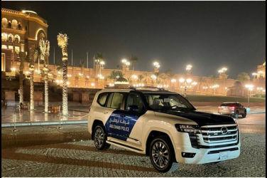 集合超過五十輛以上!Toyota新一代Land Cruiser火速交車給杜拜警方