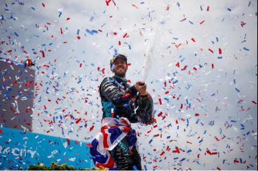 JAGUAR RACING車手SAM BIRD於紐約站贏得歷史性勝利 持續在FORMULA E 世界電動方程式錦標赛領先