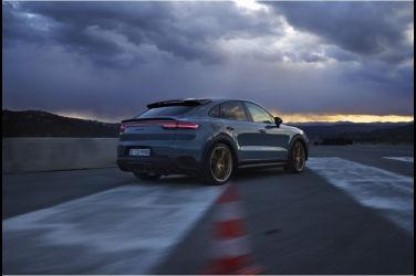 跑旅至尊 Porsche Cayenne Turbo GT