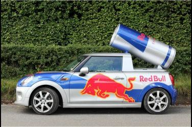 """其實是輛魔改車?介紹""""紅牛車""""的原型車、構造、冷知識"""