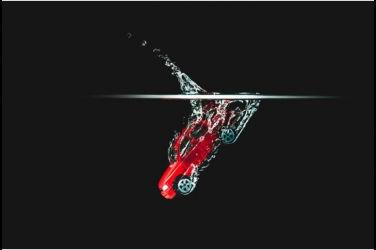 我想寫個慘字…車輛在自動洗車機內不慎開啟後車廂
