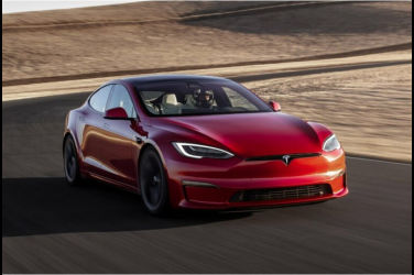 Tesla Model S寫下紐柏林賽道最速紀錄!甩開Porsche坐上最速EV王位