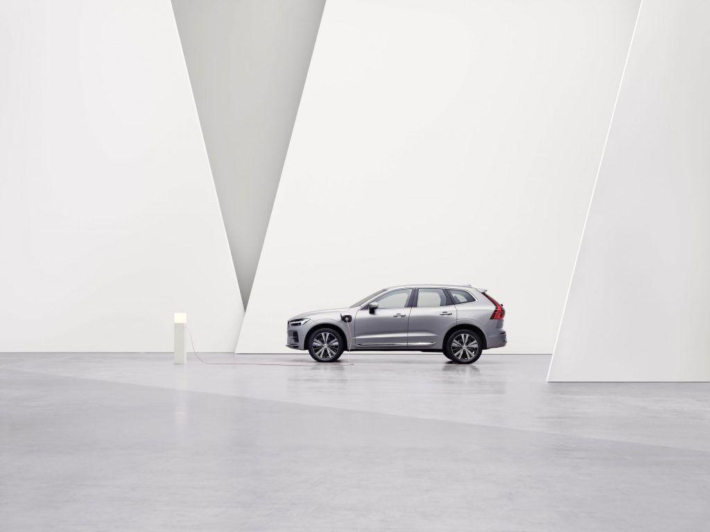 Volvo PHEV 動力科技再升級 純電續航力達 90 公里 全新年式 PHEV 車型開放接單