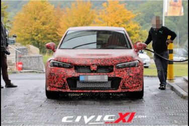 清晰拍下正在加油的新一代Civic Type-R測試車!座艙也一倂曝光