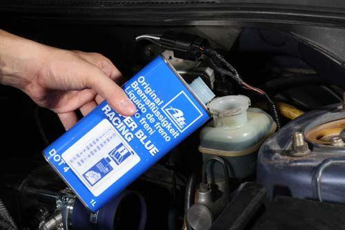 愛車Q&A:煞車油變少是正常的嗎?