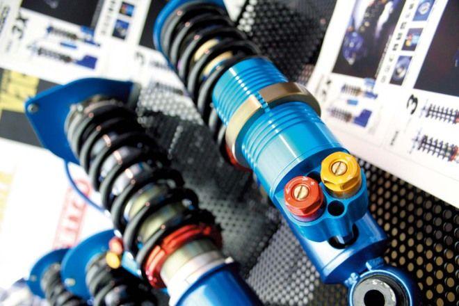 基礎強化-避震器篇-單筒與複筒的差異,舒適性與性能無法兼得