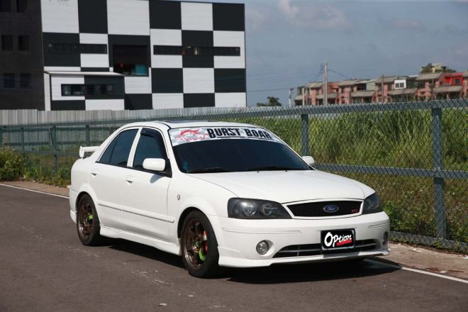 20萬元代步車-四門運動房車Ford Tierra