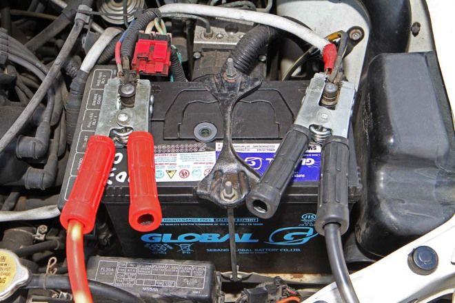 汽車教室-電瓶沒電發不動-錯誤接電燒電腦