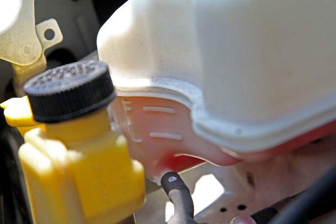 汽車教室-水箱水的檢查