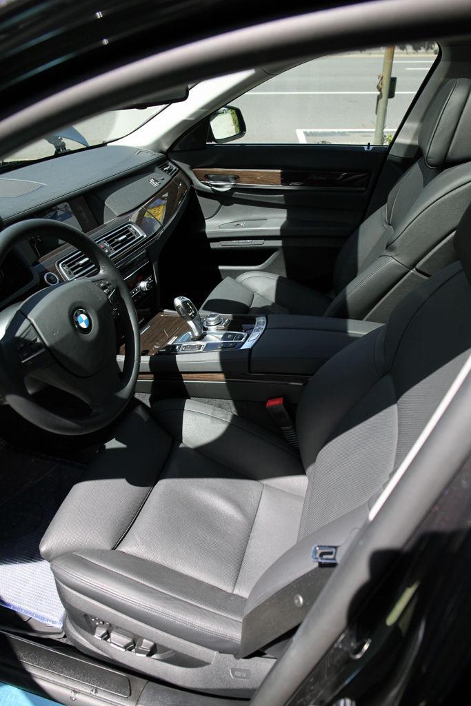 買中古車,不看你會後悔:教您如何檢查擋風玻璃