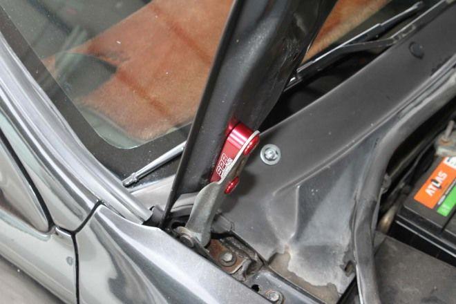 人車冷卻10妙招-妙招5:引擎蓋墊高器