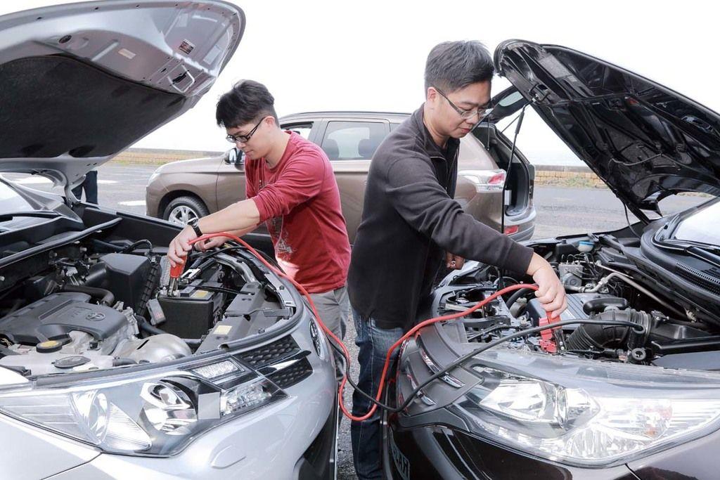 汽車能量之源 電瓶保養之道與救援物品