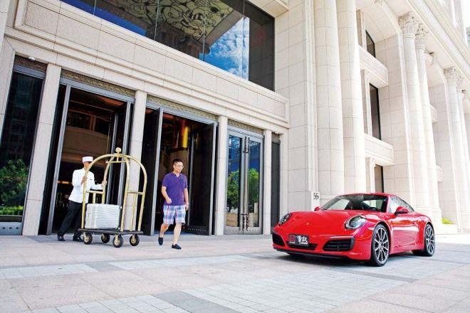 不只是擅跑Porsche 911 Carrera S