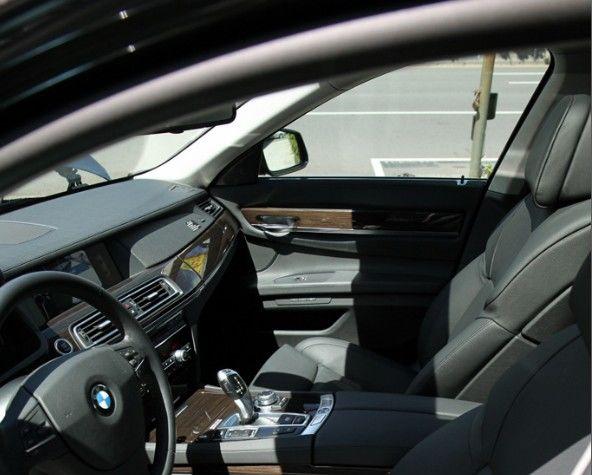 買中古車,不看你會後悔:如何檢查車室內裝(門板/車頂/腳踏板/方向盤)